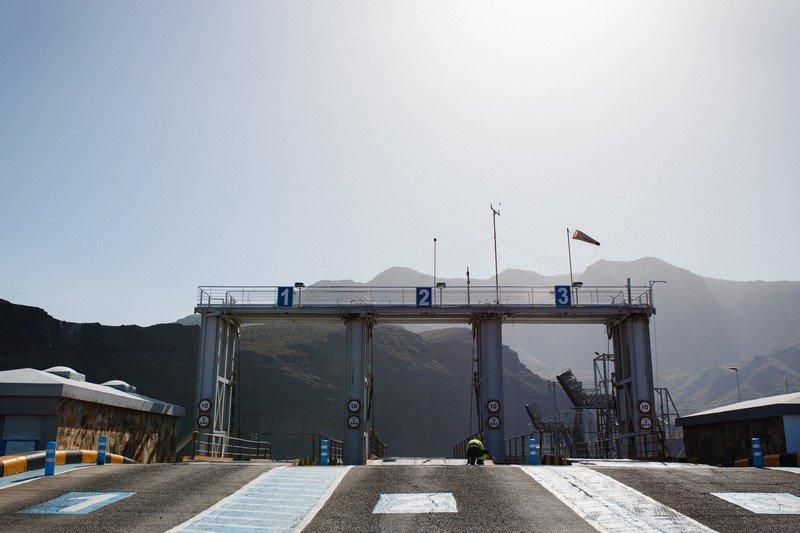 puerto-de-las-nieves-ferry-005